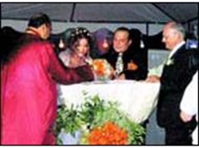 Aşkın Nur Yengi ile Haluk Bilginer evlendi